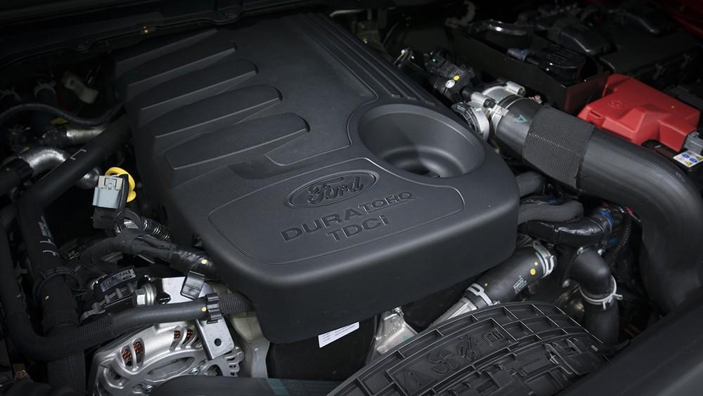 Động cơ được trang bị trên Ford Explorer 2017 là EcoBoost 2.3L